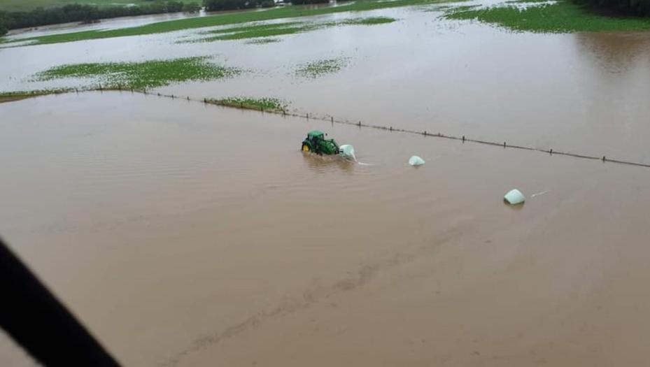 Fattorie danneggiate dalle inondazioni in NZ; fonte: High Country Helicopters