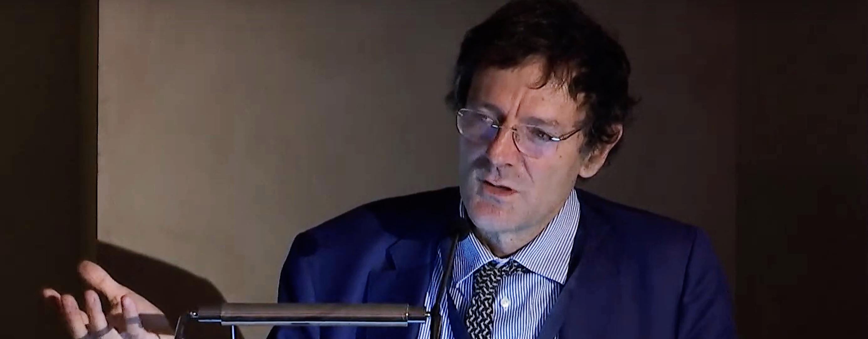 Il Prof. Leonardo Becchetti durante la sua relazione al CLAL Dairy Forum 2018